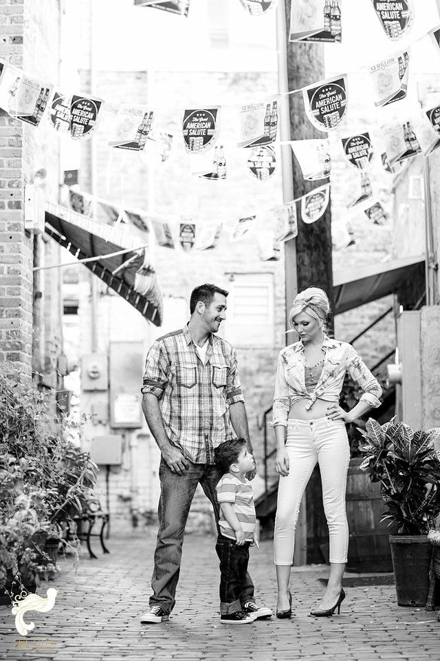 Black and White Engagement shoot fort myers florida naples wedding set free photography